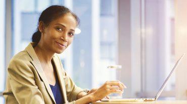QuickBooks Online vs Desktop - Small Business Loans - LendGenius